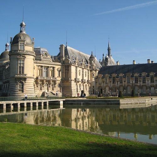 Alfred proposent de vous déplacer depuis et vers de nombreux lieux dans l'Oise et la régions Parisienne comme Chantilly, Charles de Gaules, Paris, Gouvieux