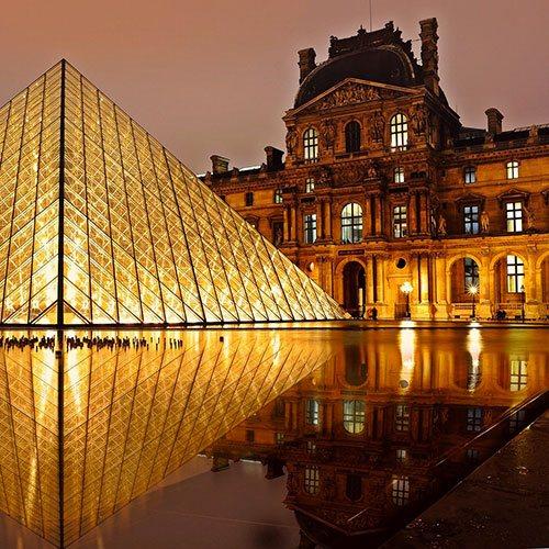 Visiter Paris dans une luxueuse voiture sans faire appelle à un taxi ? Contacter Alfred notre chauffeur